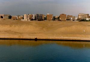 Suez-4