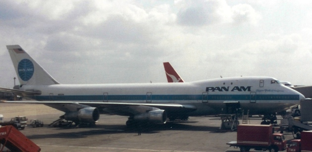 747 at LHR