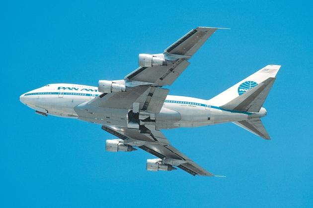 Boeing 747SP - Clipper Plymouth Rock (John Wegg photo)
