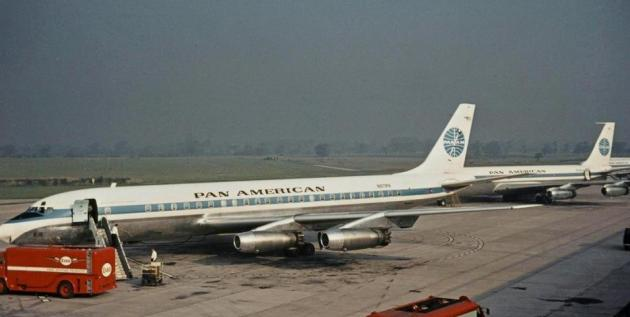 DC-8 and Boeing 707-121 (photo by R A Scholefield)