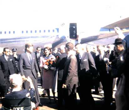 President and Mrs. Kennedy walking away from Air Force One (courtesy of Kari-Mette Pigmans)