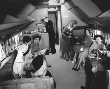 DC-6 Fiesta Lounge (panamericangrace.com).