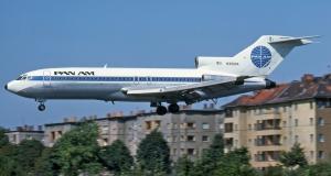 Boeing 727-100 landing at Berlin (Ralf photo).