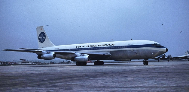 Clipper America arriving at Paris Orly on inaugural flight (Allan Van Wickler photo).