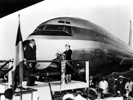 october-16-1958-first-lady-mamie-eisenhower-and-pan-am-chairman-juan-trippe-christen-the-boeing-707-121-the-plane-that-inaugurated-the-commercial-jet-age-for-the