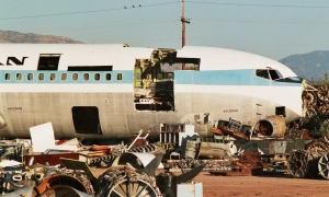 Scrapyard_at_Tucson_-_Davis-Monthan_AFB_Andrew Thomas