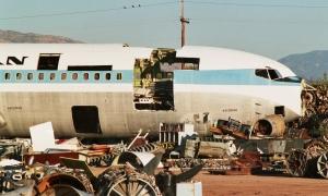 Scrapyard_at_Tucson_-_Davis-Monthan_AFB_Andrew Thomas