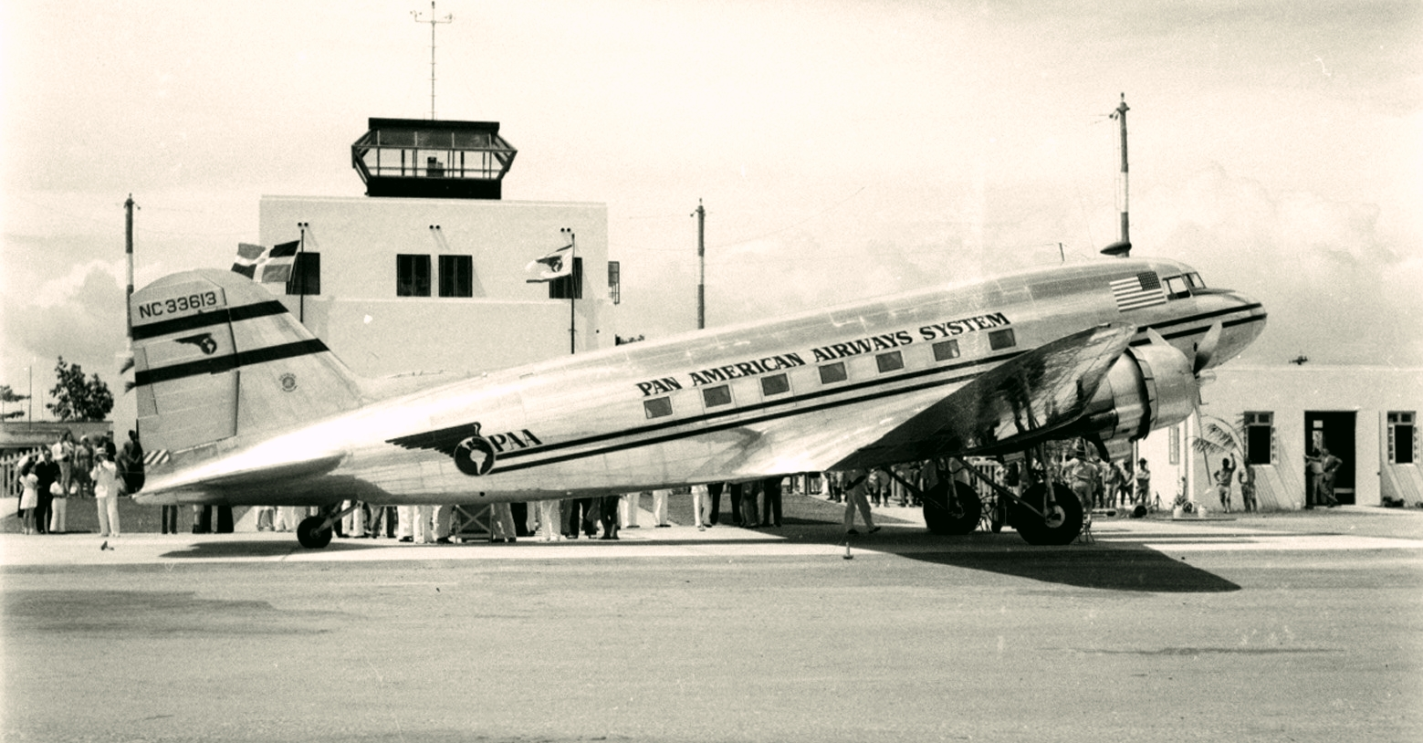 Pan American DC-3 at Santo Domingo (Dax M Roman photo)