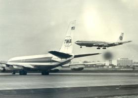 PA-TWA 707