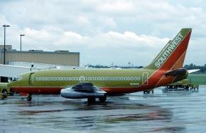 Southwest_737-2H4Adv_N29SW Eduard marmet